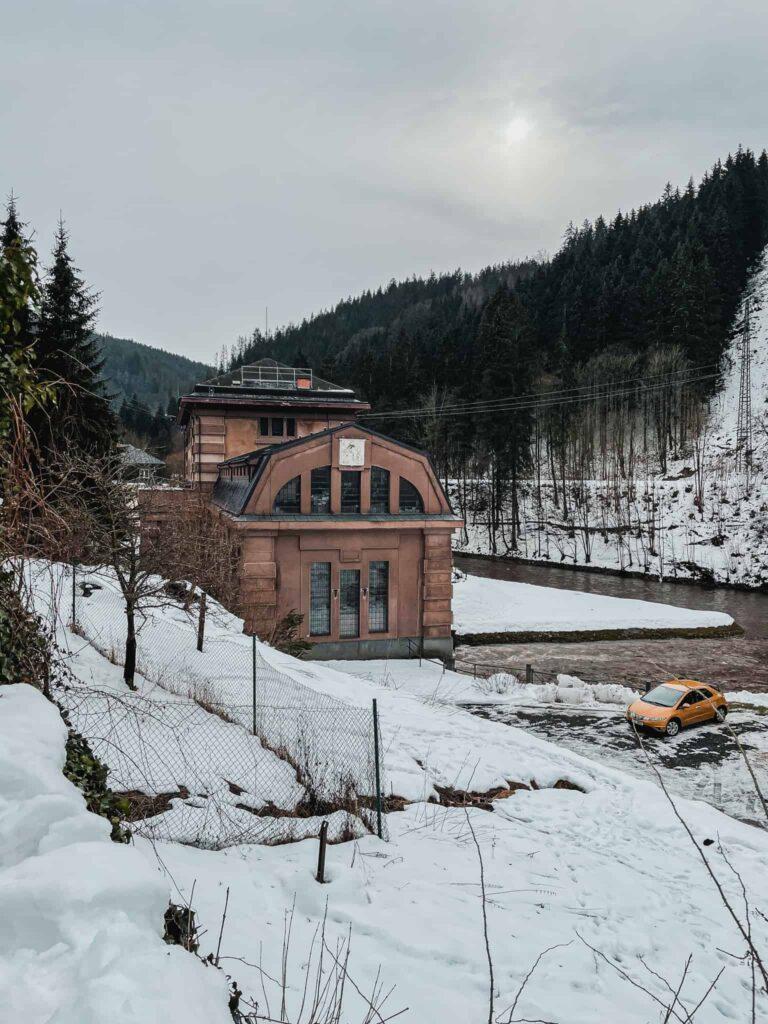 17_Vodni_elektrarna_Spalov